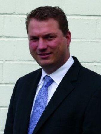 Dr-Frederic-Goronzy-GF-Haehne.jpg