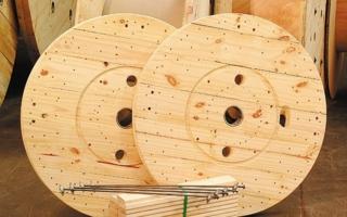 wooden-reels.jpg