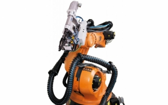 RSF25-und-Kuka-Roboter.jpg