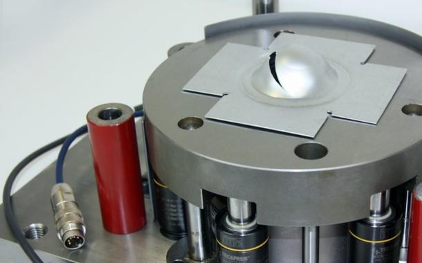 Schneller Werkstofftest für die Blechbearbeitung